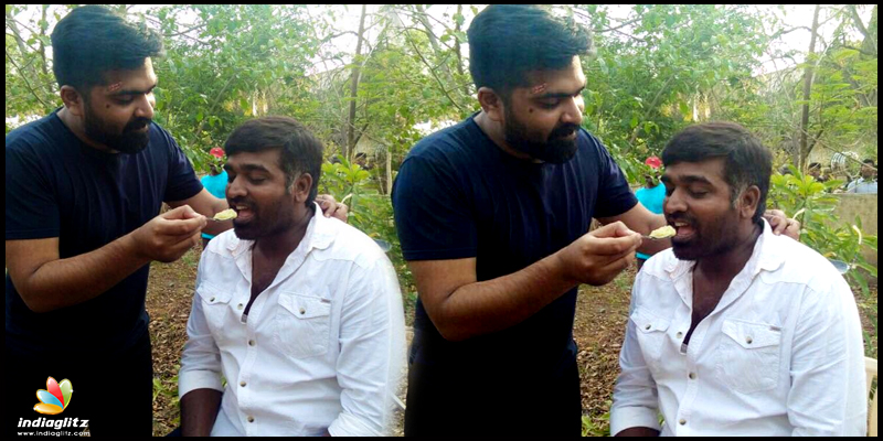 Pic of Simbu feeding Vijay Sethupathi goes viral!