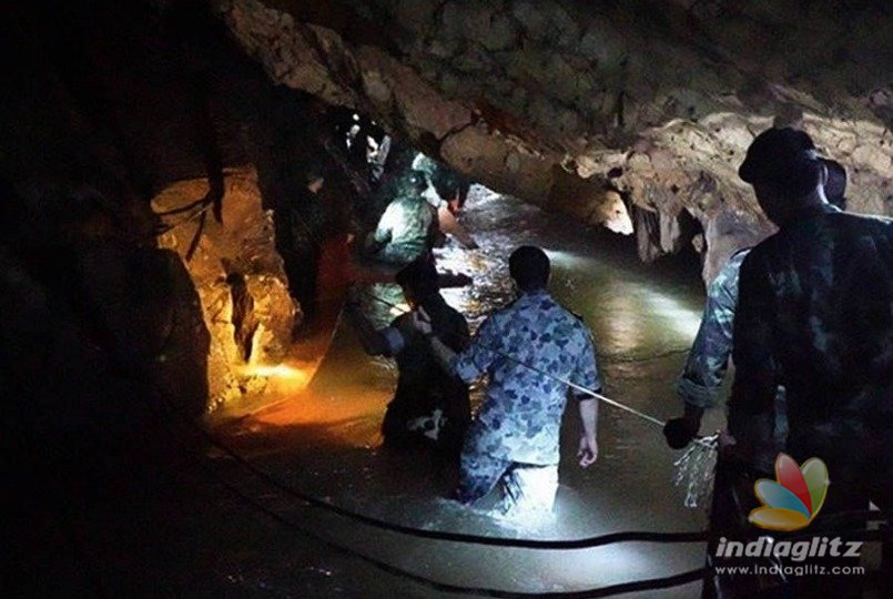 Thailand cave rescue: Ambulances arrive and media blocked from entering site