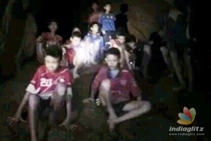 Dangerous situation of boys who got trapped in a cave for two weeks
