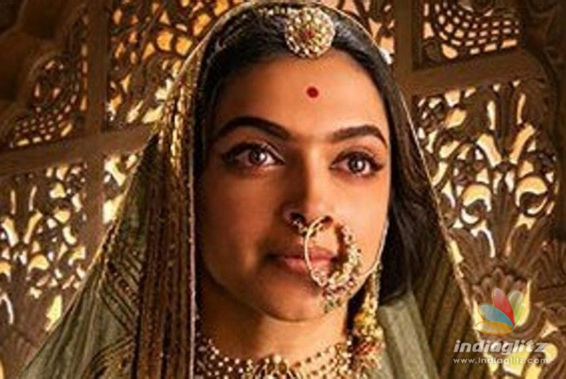 Hilarious ! Fans Troll 'Padmavati' Releasing As 'Padmavat