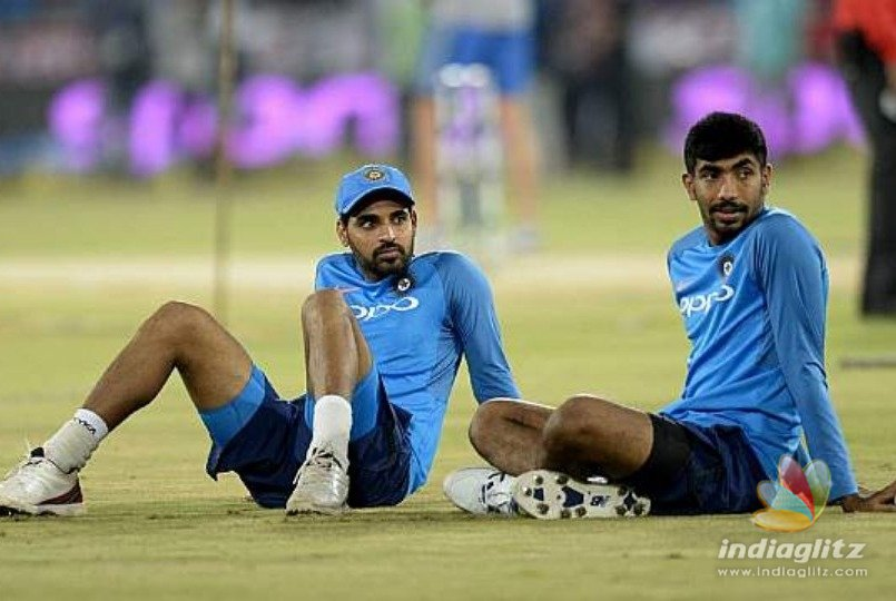 Dhoni to get paid less than Bhuvneshwar and Jasprit